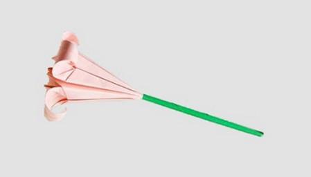 折纸百合花图解步骤 手工折纸-第1张