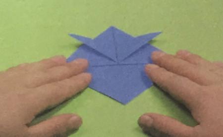 折纸头盔的步骤图解法 手工折纸-第3张