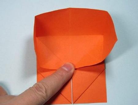 带翅膀爱心的折法图解 手工折纸-第9张