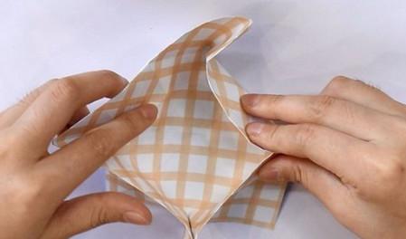 八瓣花手工折纸步骤图解法 手工折纸-第7张