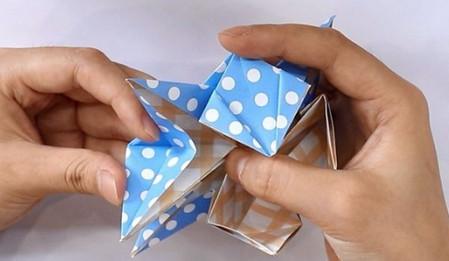 八瓣花手工折纸步骤图解法 手工折纸-第9张