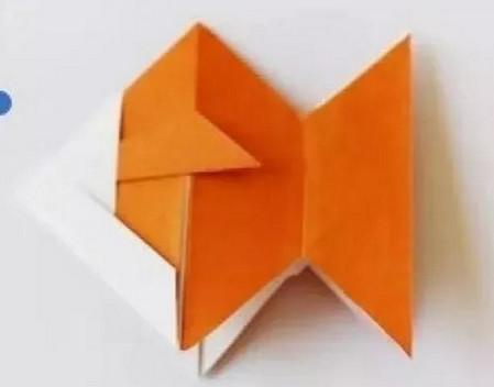 小鱼折纸步骤图解 手工折纸-第1张