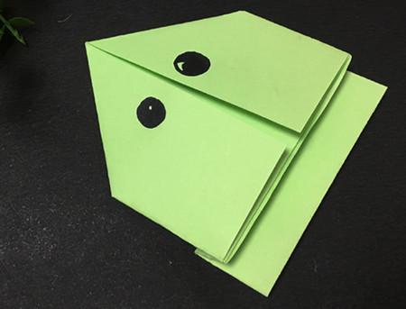 简单的折纸青蛙简单折法 手工折纸-第1张