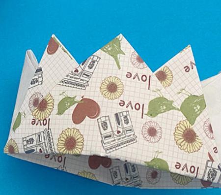 皇冠帽子折纸步骤图解 手工折纸-第1张