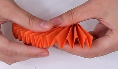 伸缩扇子的折法图解 手工折纸-第7张
