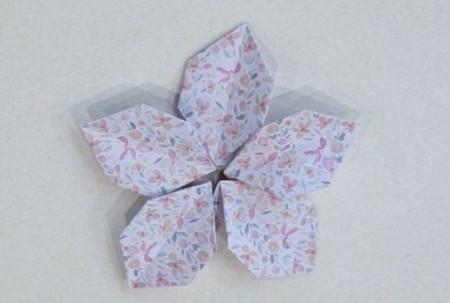 五瓣花折纸教程图解 手工折纸-第1张
