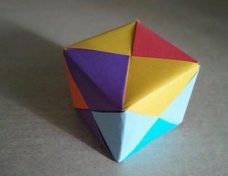彩色立方体折纸教程 手工折纸-第1张