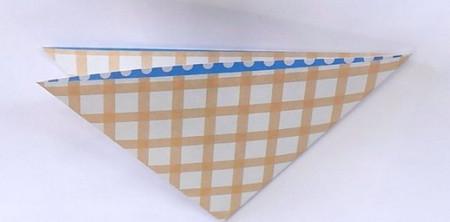 八瓣花手工折纸步骤图解法 手工折纸-第3张