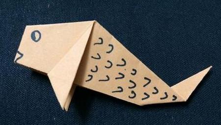手工折纸鲤鱼步骤图解 手工折纸-第1张