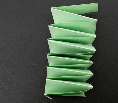 会跳的青蛙手工折纸图解步骤 手工折纸-第3张