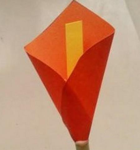 马蹄莲花折纸步骤 手工折纸-第1张