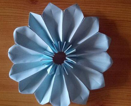 儿童手工折纸菊花步骤图解 手工折纸-第1张