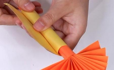 伸缩扇子的折法图解 手工折纸-第16张